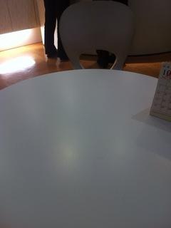 脱毛銀座カラーのカウンセリングテーブル